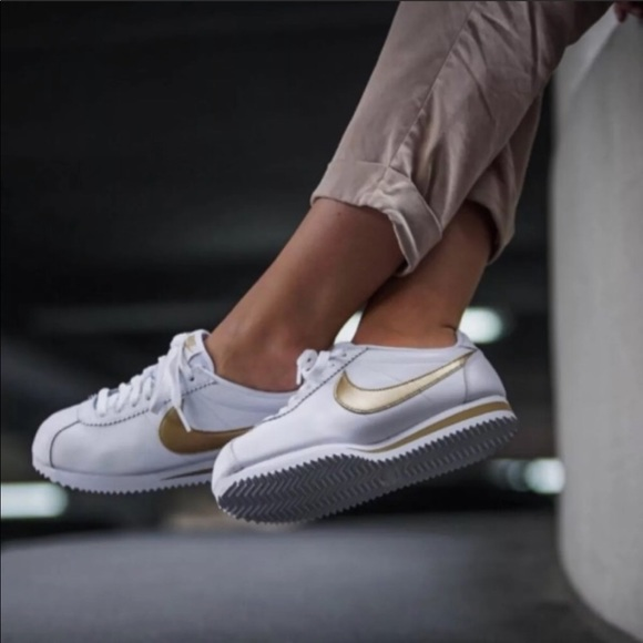 timeless design 530df a1f16 New nike cortez white gold sneaker shoes 9.5 NWT